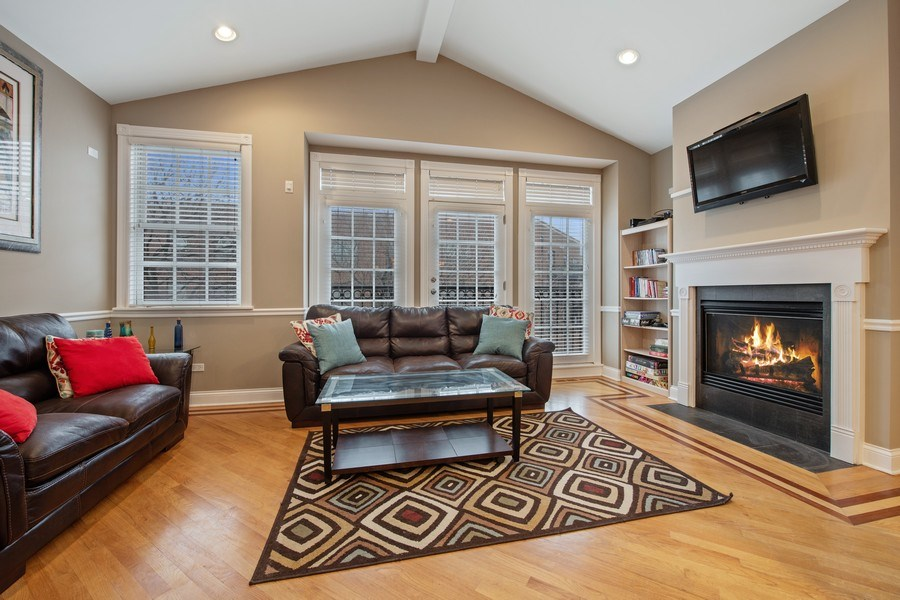 Real Estate Photography - 3046 N Oakley, 3S, Chicago, IL, 60618 - Living Room