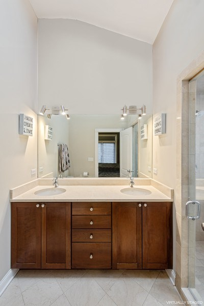 Real Estate Photography - 3046 N Oakley, 3S, Chicago, IL, 60618 - Master Bathroom