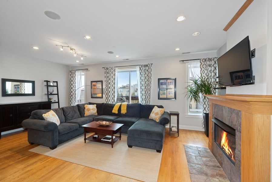 Real Estate Photography - 2115 W. Chicago #4, Chicago, IL, 60622 - Living Room