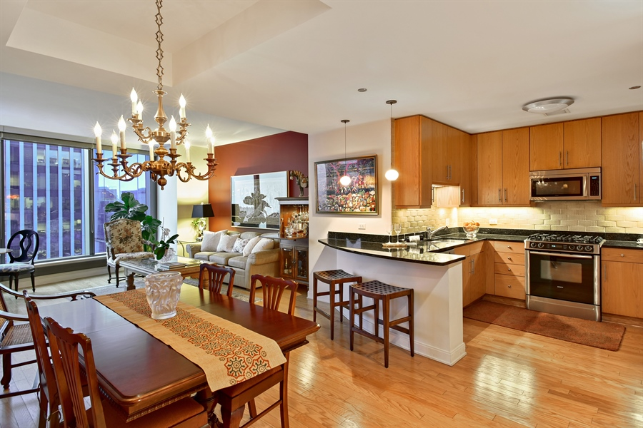 Real Estate Photography - 60 E monroe, 2503, Chicago, IL, 60603 - Kitchen / Dining Room