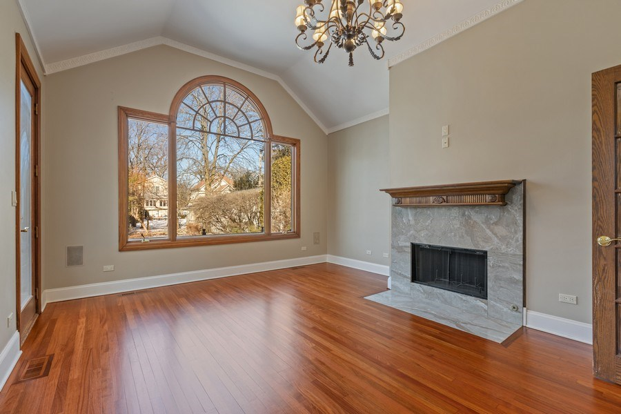 Real Estate Photography - 847 Ash, Winnetka, IL, 60093 - Family Room