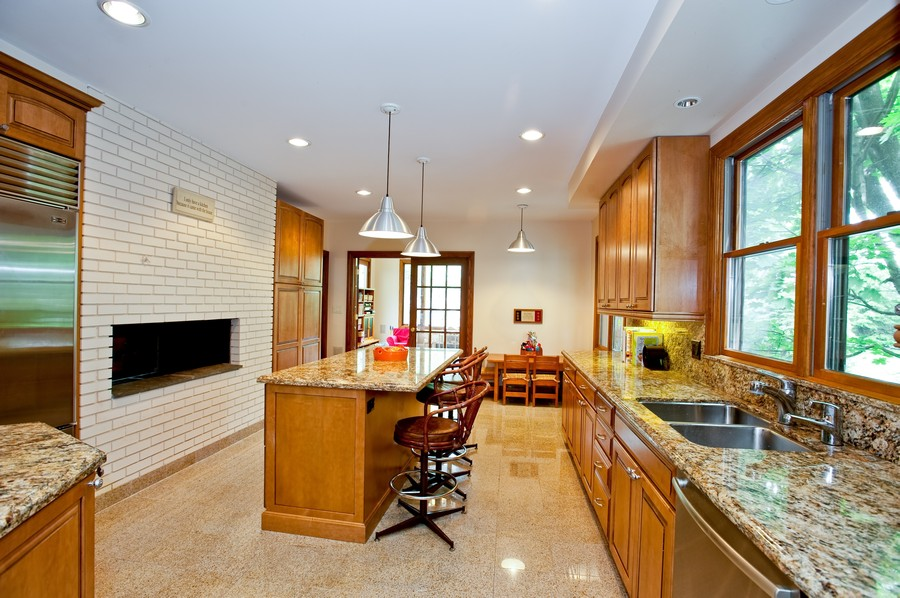 Real Estate Photography - 847 Ash, Winnetka, IL, 60093 - Kitchen
