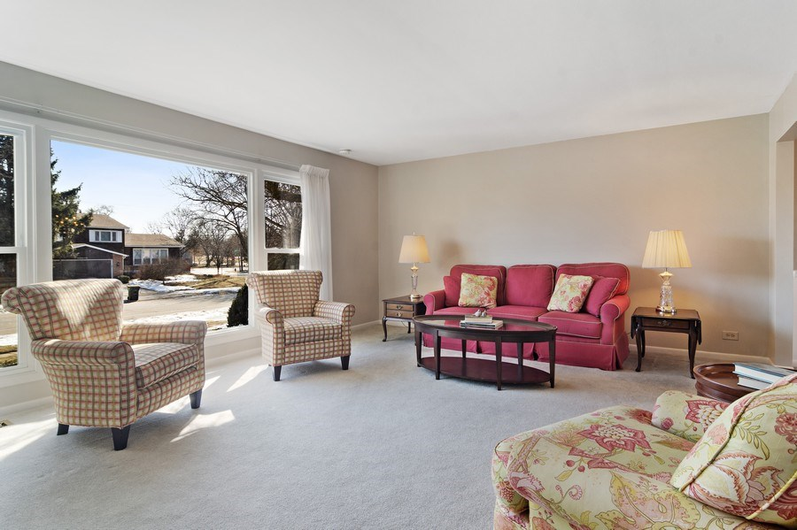 Real Estate Photography - 2308 N Evergreen, Arlington Heights, IL, 60004 - Living Room