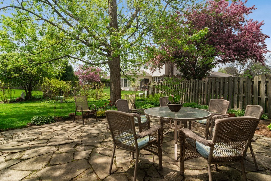 Real Estate Photography - 2308 N Evergreen, Arlington Heights, IL, 60004 - Flagstone Patio