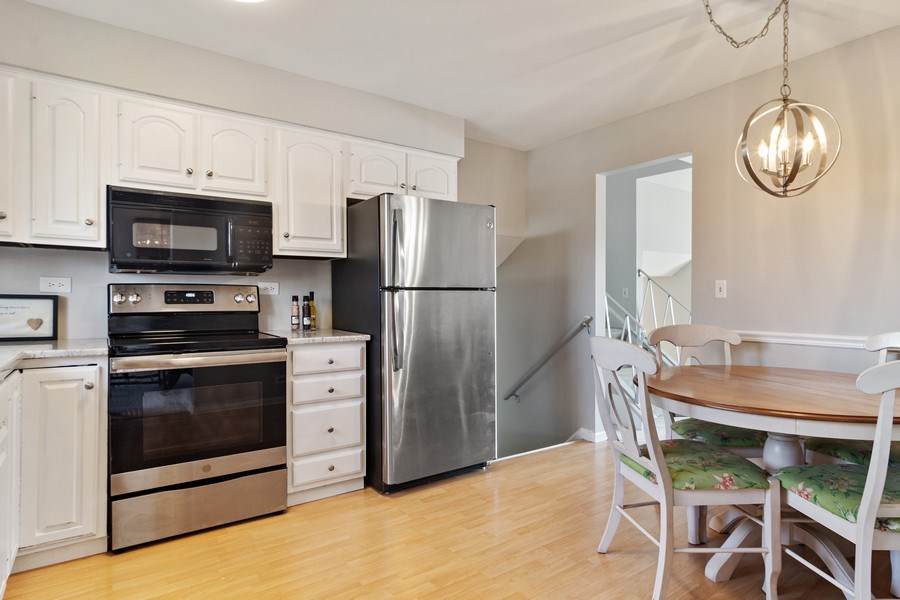 Real Estate Photography - 2308 N Evergreen, Arlington Heights, IL, 60004 - Kitchen / Breakfast Room