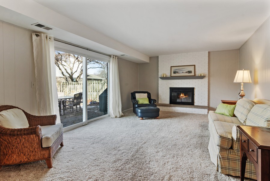 Real Estate Photography - 2308 N Evergreen, Arlington Heights, IL, 60004 - Family Room