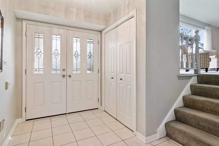 Real Estate Photography - 2308 N Evergreen, Arlington Heights, IL, 60004 - Foyer
