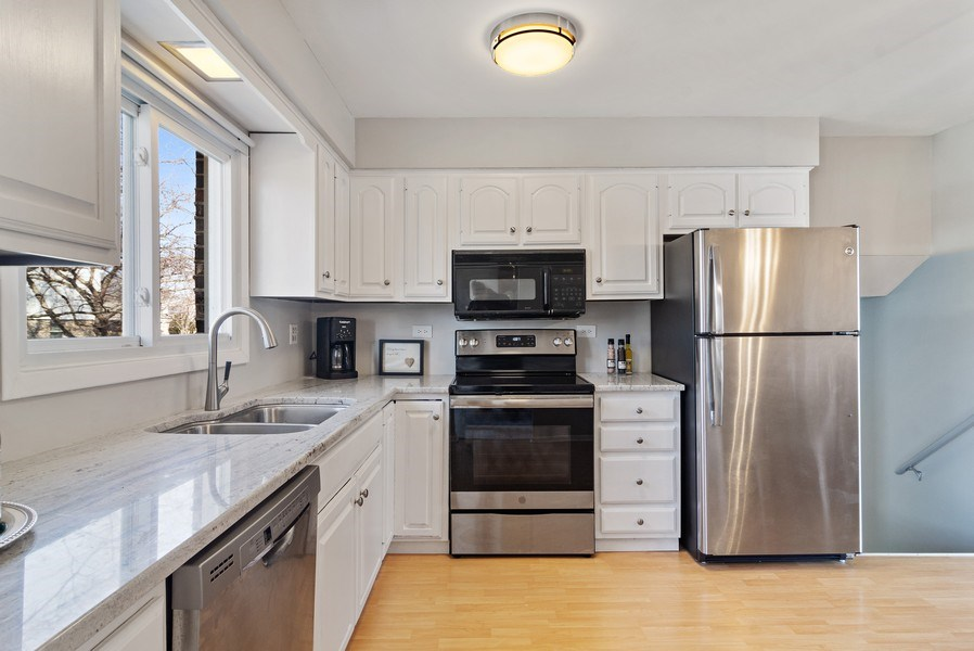 Real Estate Photography - 2308 N Evergreen, Arlington Heights, IL, 60004 - Kitchen