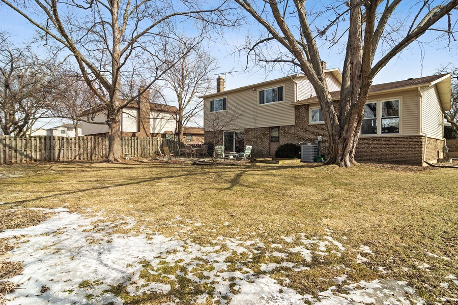 Real Estate Photography - 2308 N Evergreen, Arlington Heights, IL, 60004 - Rear View