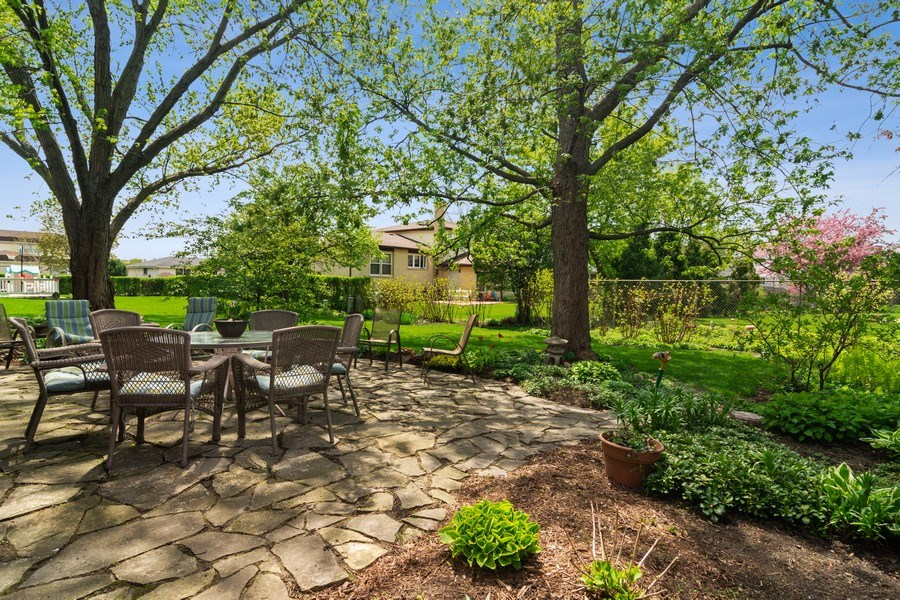 Real Estate Photography - 2308 N Evergreen, Arlington Heights, IL, 60004 - Patio