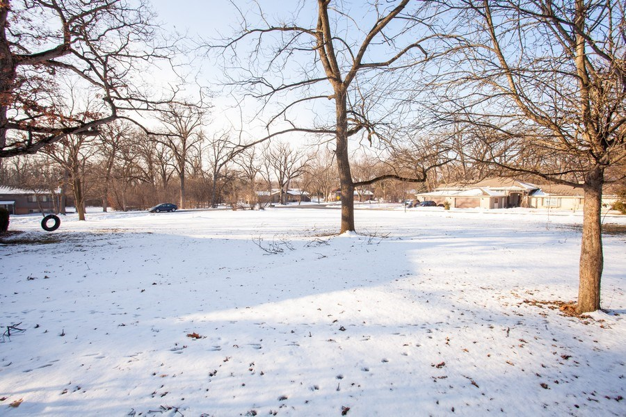 Real Estate Photography - 27W774 Elm Dr, West Chicago, IL, 60185 - Location 2