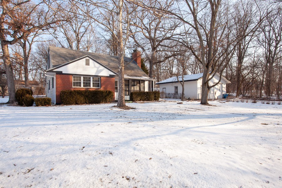 Real Estate Photography - 27W774 Elm Dr, West Chicago, IL, 60185 - Front View