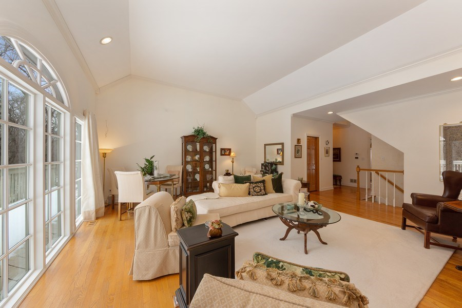 Real Estate Photography - 1 Burning Oak Trail, Barrington Hills, IL, 60010 - Great Room