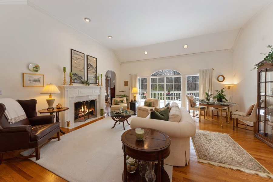 Real Estate Photography - 1 Burning Oak Trail, Barrington Hills, IL, 60010 - Living Room
