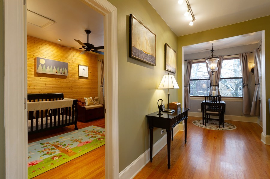 Real Estate Photography - 7633 N Greenview, 3W, Chicago, IL, 60626 - Living Room