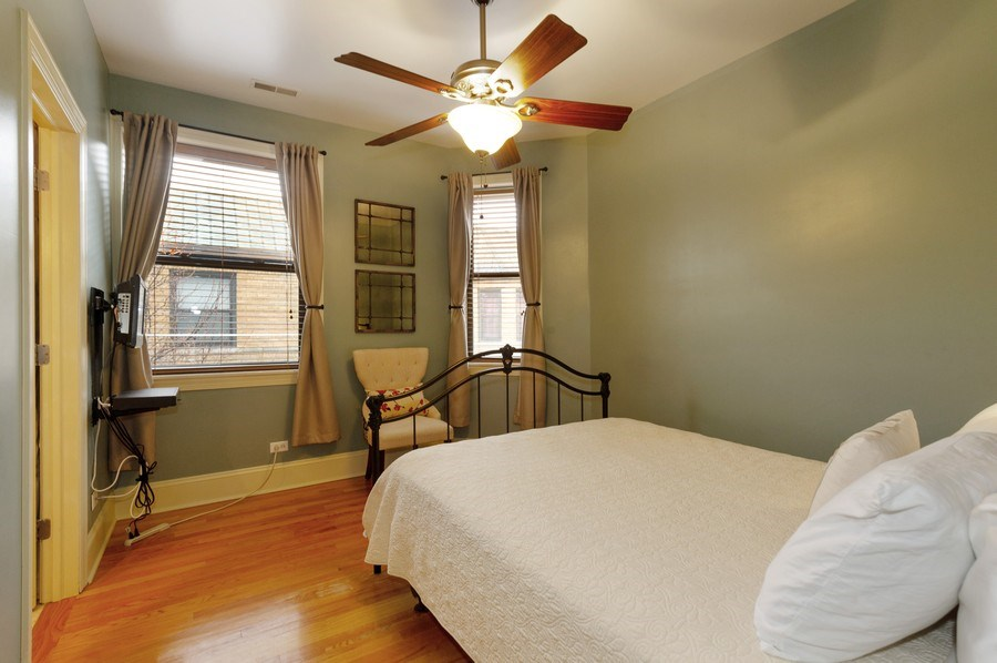 Real Estate Photography - 7633 N Greenview, 3W, Chicago, IL, 60626 - Master Bedroom