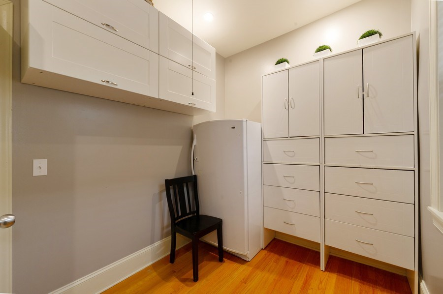 Real Estate Photography - 7633 N Greenview, 3W, Chicago, IL, 60626 - Den