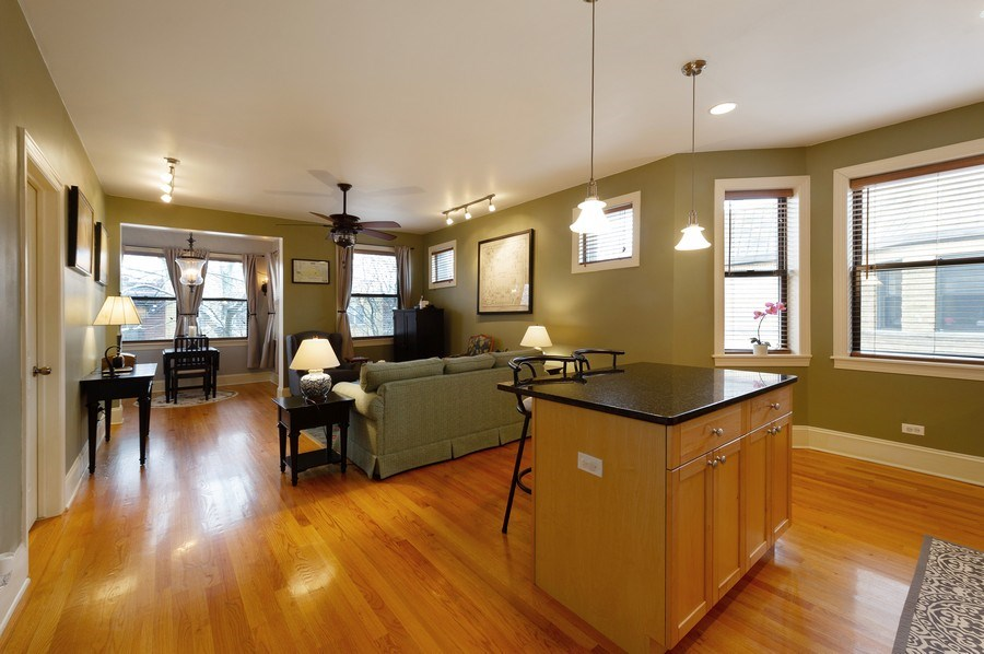 Real Estate Photography - 7633 N Greenview, 3W, Chicago, IL, 60626 - Kitchen / Living Room