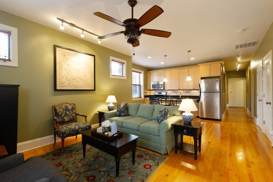 Real Estate Photography - 7633 N Greenview, 3W, Chicago, IL, 60626 - Kitchen/Living