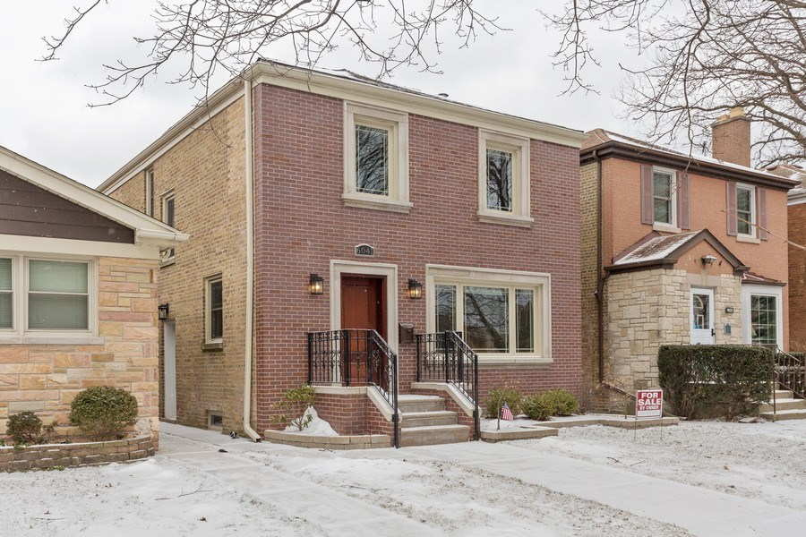 Real Estate Photography - 6041 N St Louis Ave, Chicago, IL, 60659 - Front View