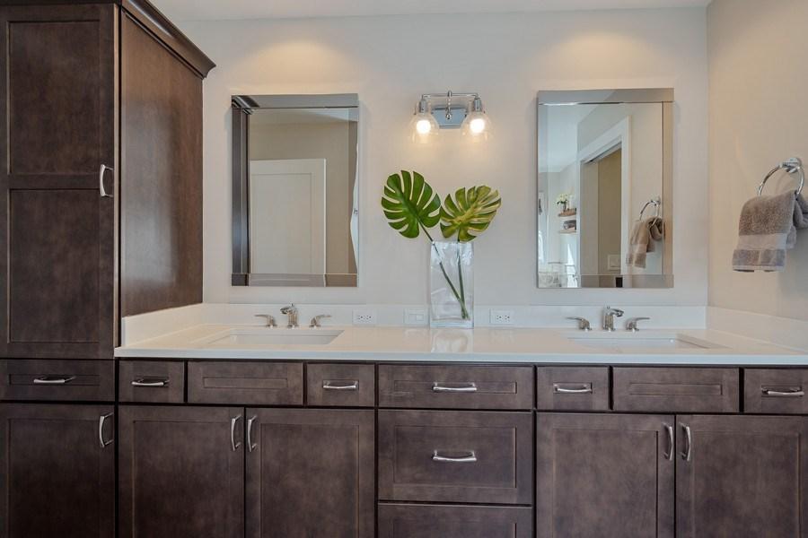 Real Estate Photography - 1202 Prairie Ave, Barrington, IL, 60010 - Master Bathroom