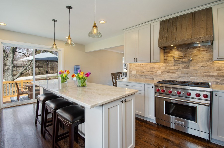 Real Estate Photography - 1202 Prairie Ave, Barrington, IL, 60010 - Kitchen