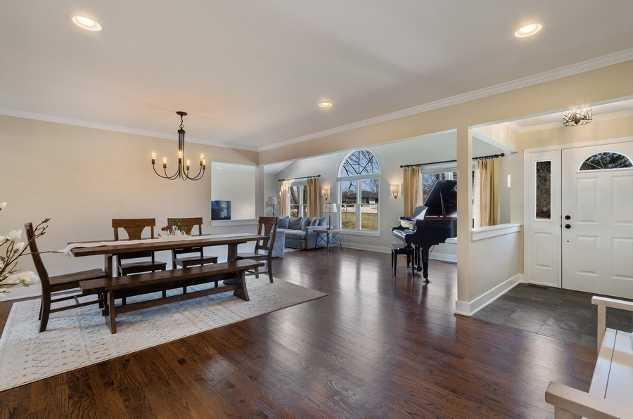 Real Estate Photography - 1202 Prairie Ave, Barrington, IL, 60010 - Dining Room