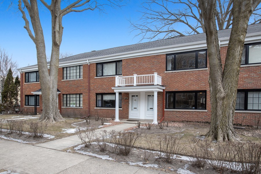 Real Estate Photography - 2535 Asbury Ct, Evanston, IL, 60201 - Front View