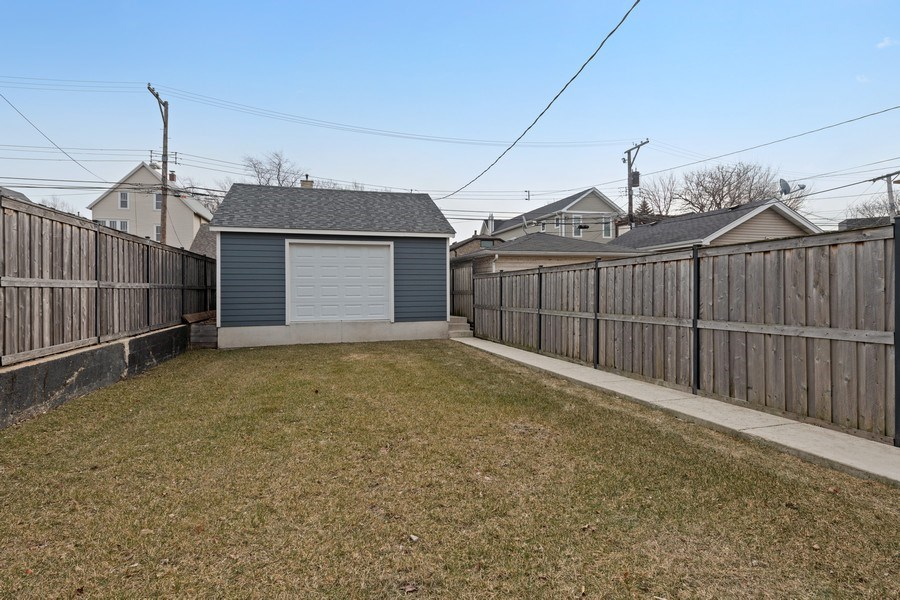 Real Estate Photography - 2917 N Hoyne, Chicago, IL, 60618 - Back Yard