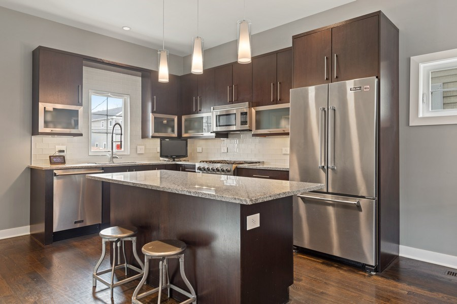 Real Estate Photography - 2917 N Hoyne, Chicago, IL, 60618 - Kitchen