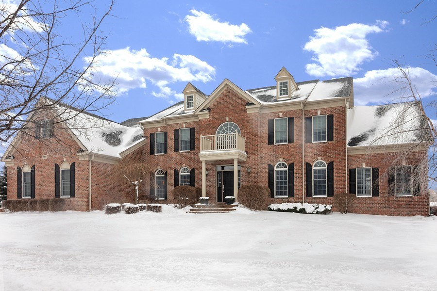 Real Estate Photography - 23 Briar Creek Dr., Hawthorn Woods, IL, 60047 - Front View