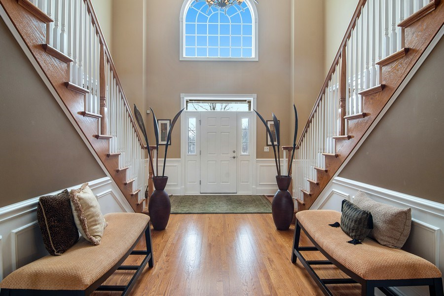 Real Estate Photography - 23 Briar Creek Dr., Hawthorn Woods, IL, 60047 - Hallway