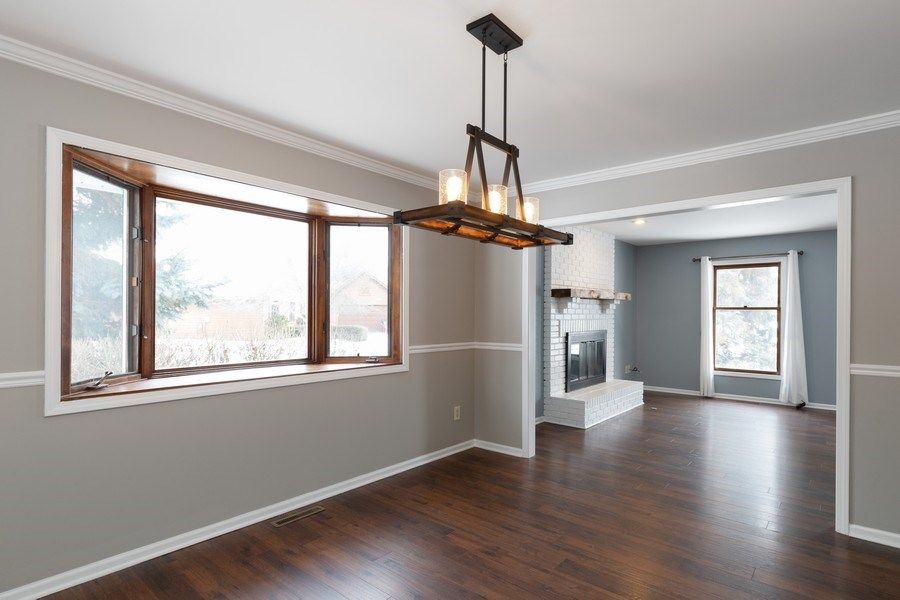 Real Estate Photography - 31649 Rein Court, Libertyville, IL, 60048 - Dining Room