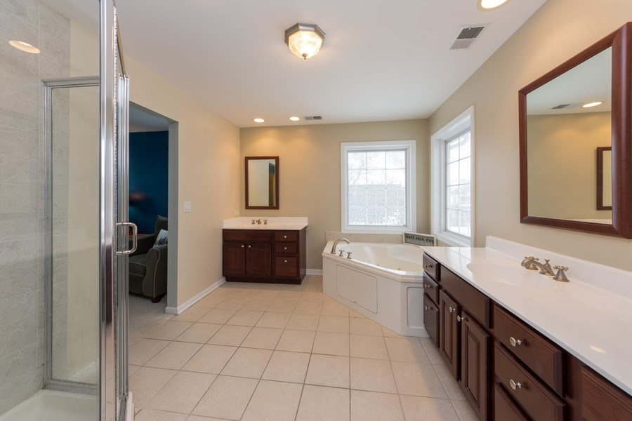 Real Estate Photography - 711 N Arlington Heights Rd., Arlington Heights, IL, 60004 - Master Bathroom