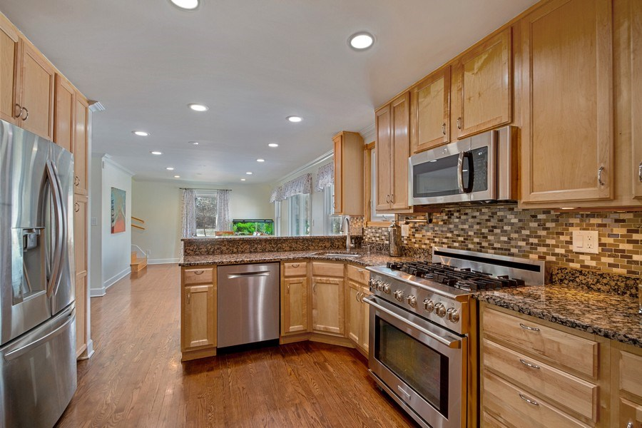 Real Estate Photography - 3508 Countryside Ln, Glenview, IL, 60025 - Kitchen