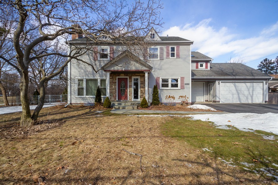 Real Estate Photography - 3508 Countryside Ln, Glenview, IL, 60025 - Front View