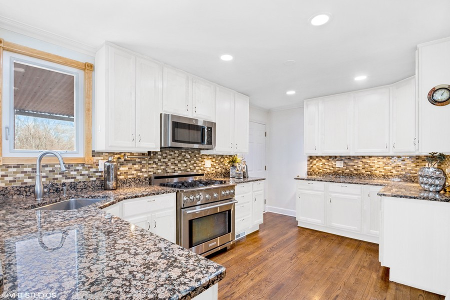 Real Estate Photography - 3508 Countryside Ln, Glenview, IL, 60025 -