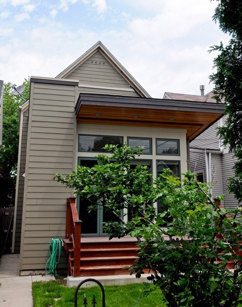 Real Estate Photography - 2129 W. Bradley, Chicago, IL, 60618 - Location 2
