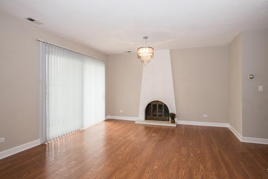 Real Estate Photography - 6851 Larkspur, Woodridge, IL, 60517 - Living Room