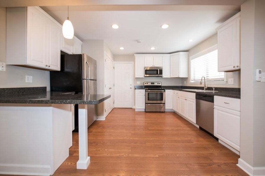 Real Estate Photography - 6851 Larkspur, Woodridge, IL, 60517 - Kitchen
