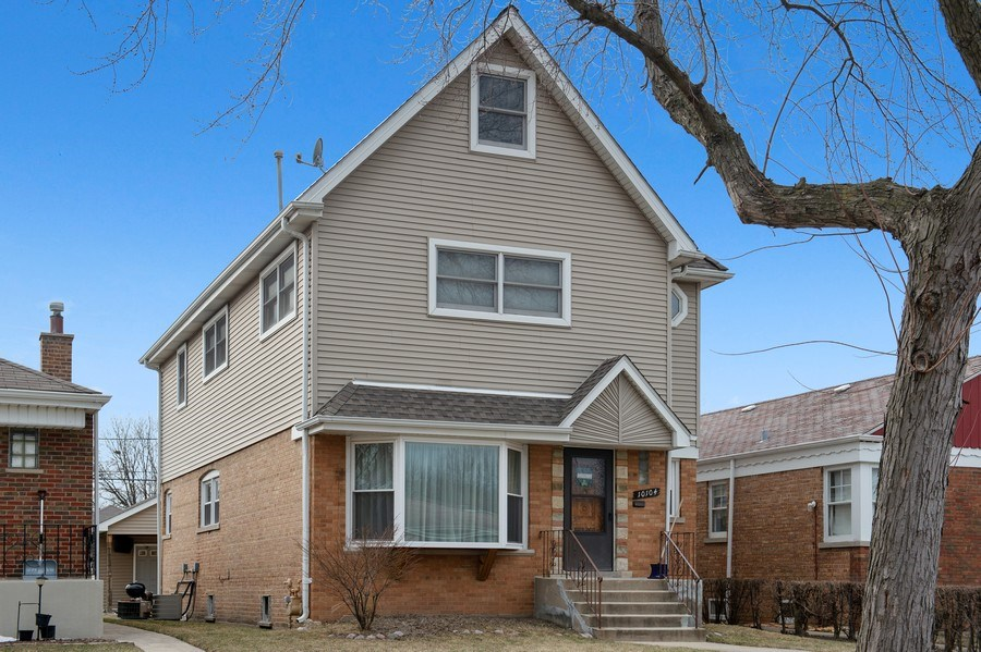 Real Estate Photography - 10104 S Washtenaw, Chicago, IL, 60655 - Front View