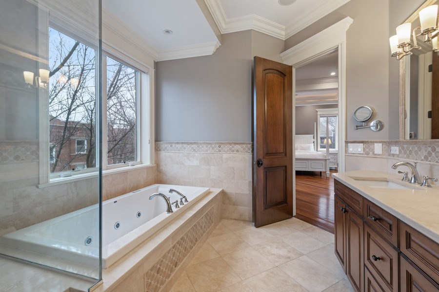 Real Estate Photography - 2153 W Cornelia Ave, Chicago, IL, 60618 - Master Bathroom