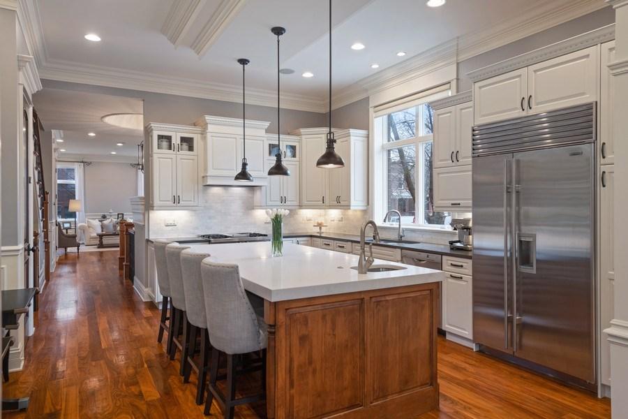Real Estate Photography - 2153 W Cornelia Ave, Chicago, IL, 60618 - Kitchen