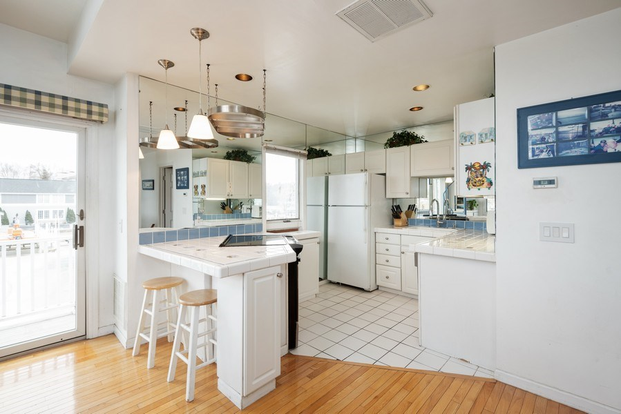 Real Estate Photography - 44 Landings Blvd, New Buffalo, MI, 49117 - Kitchen