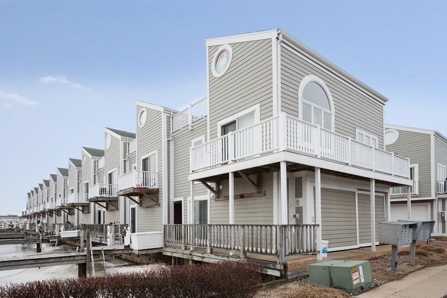 Real Estate Photography - 44 Landings Blvd, New Buffalo, MI, 49117 - Front View