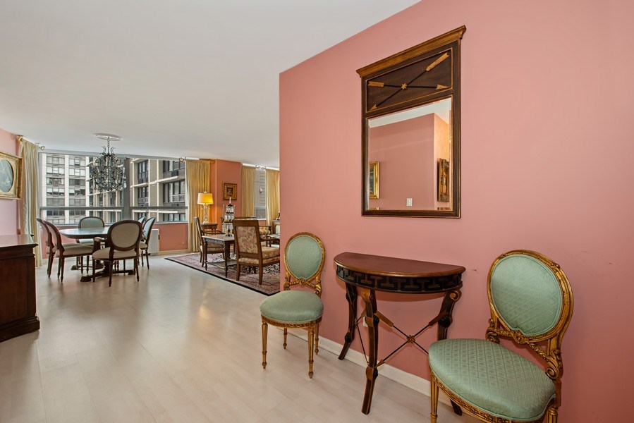 Real Estate Photography - 5701 N Sheridan, Unit 8F, Chicago, IL, 60660 - Foyer