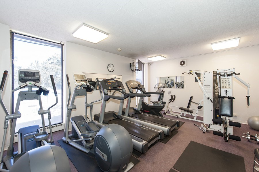 Real Estate Photography - 5701 N Sheridan, Unit 8F, Chicago, IL, 60660 - Fitness Room