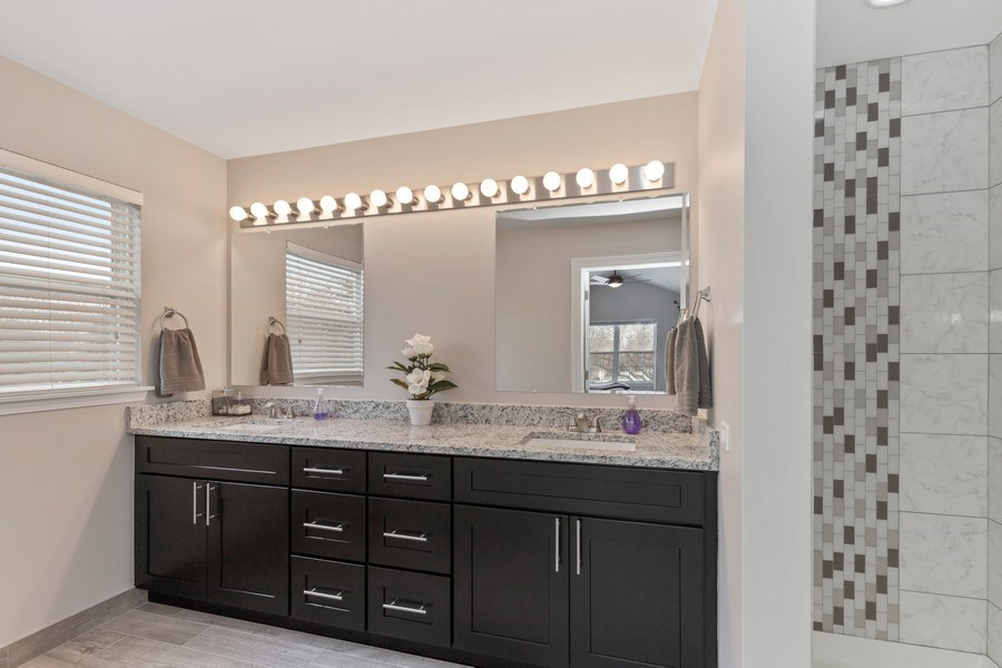 Real Estate Photography - 291 Galway, Grayslake, IL, 60030 - Master Bathroom