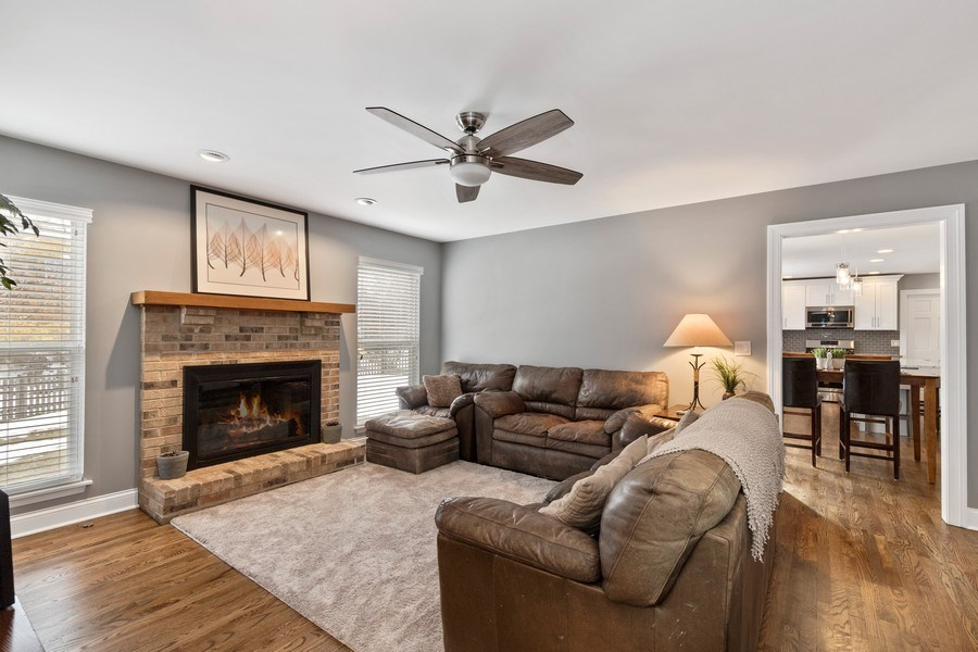 Real Estate Photography - 291 Galway, Grayslake, IL, 60030 - Family Room
