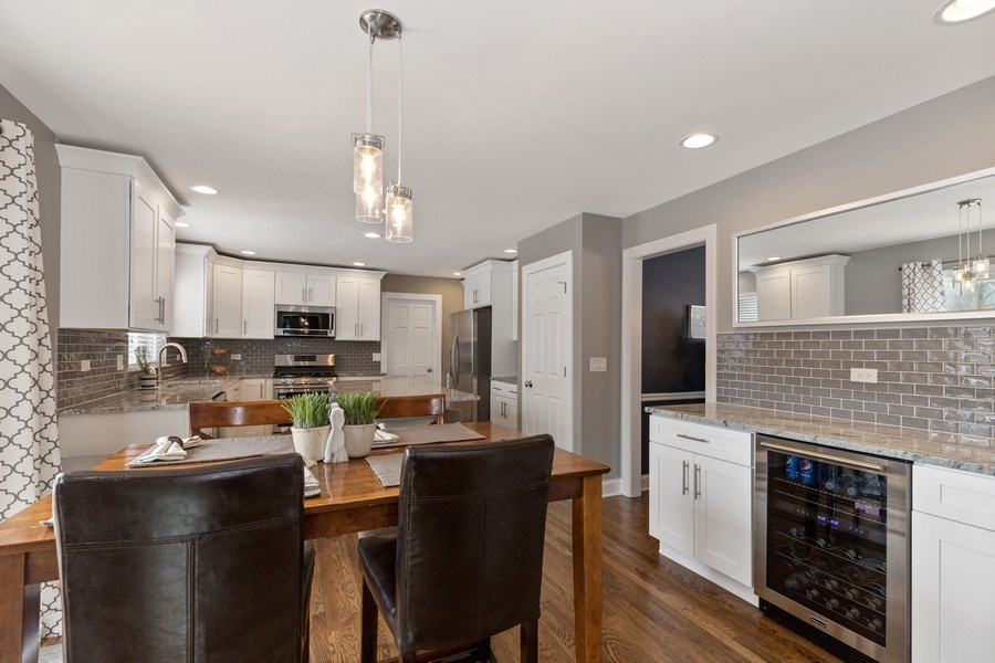 Real Estate Photography - 291 Galway, Grayslake, IL, 60030 - Kitchen